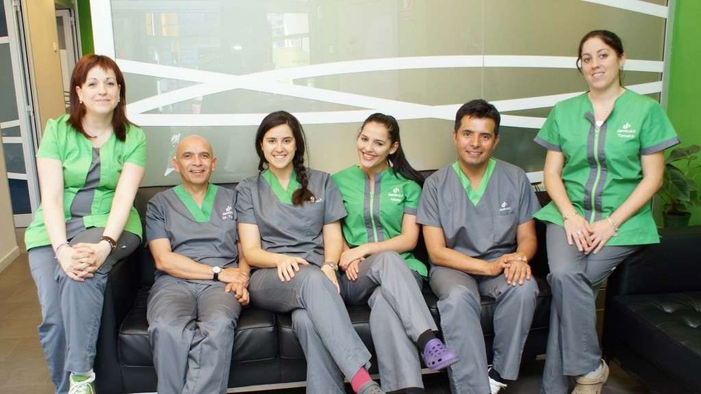 equipo-profesional-clinica-dental-dentisalut-barcelona