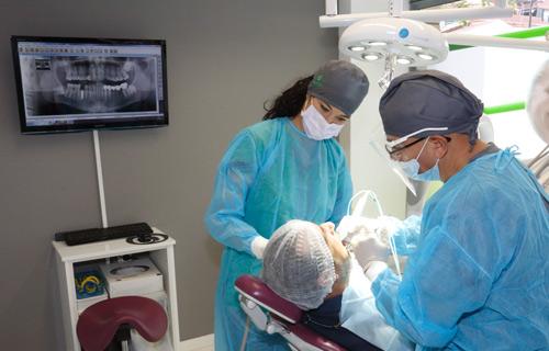 Extracción de quistes maxilares