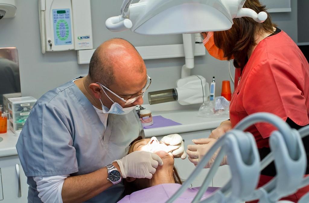 implantes-dentales-precio