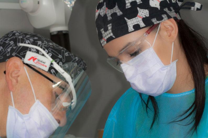 Estancia clínica con el Dr. Juan Carlos Torres: Implantes dentales All-on-4