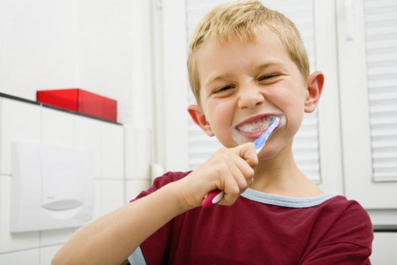 Consejos para cepillarnos correctamente los dientes
