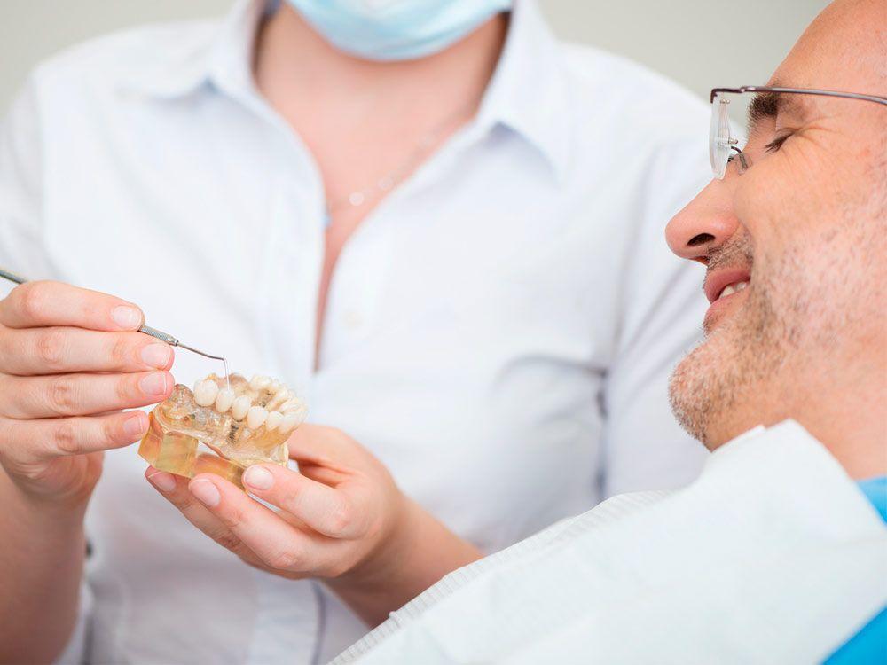 Las semanas posteriores después de ponerse un implante dental